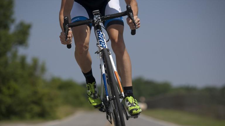 cycling-655565_1920