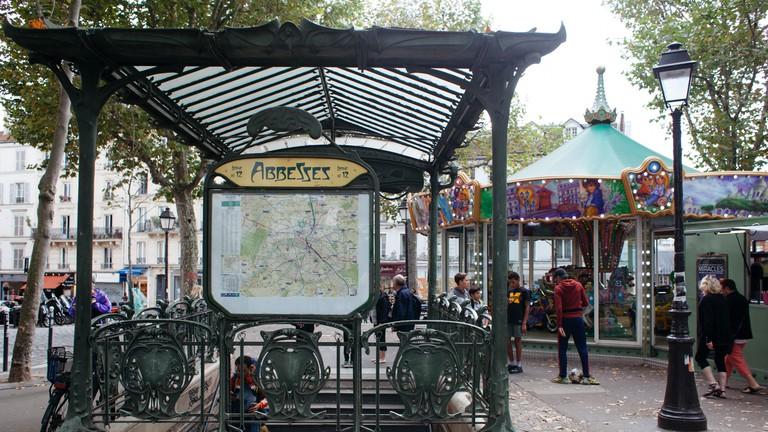 kctp0015-peyronel-paris-montmartre-abbesses-station-2