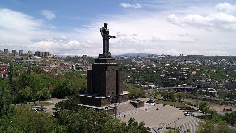 Mother_Armenia_Monument,_Yerevan_(5)