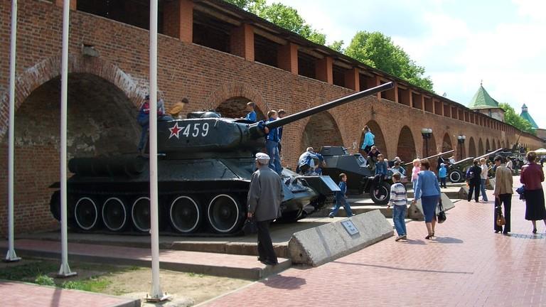 nizhny-kremlin-t-34-1446-1024x768