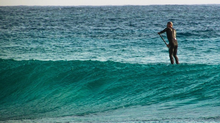 paddleboard-rental-waves-watersports