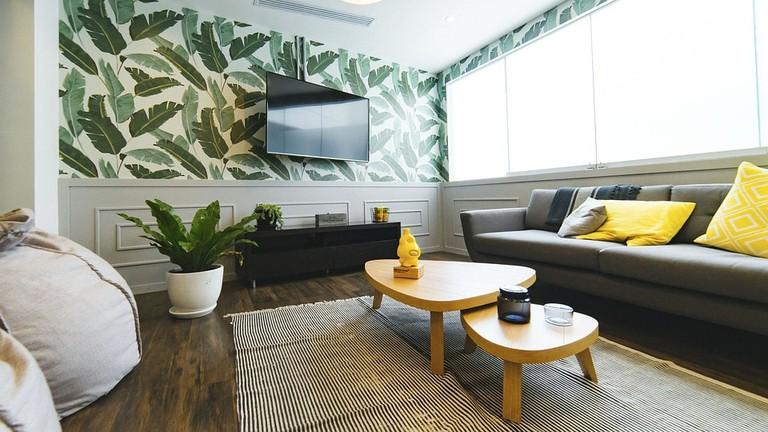 https://pixabay.com/en/living-room-house-interior-design-2583032/