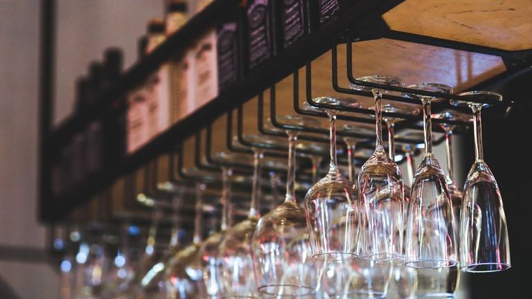 restaurant-glass-wine-glasses