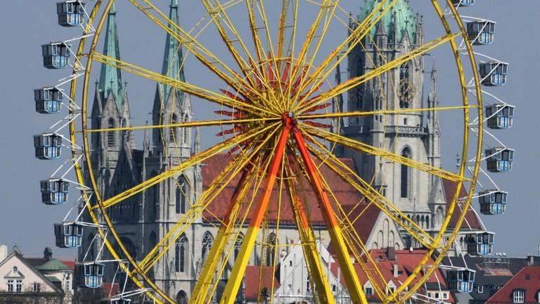 Riesenrad_auf_dem_Fruehlingsfest_in_Muenchen
