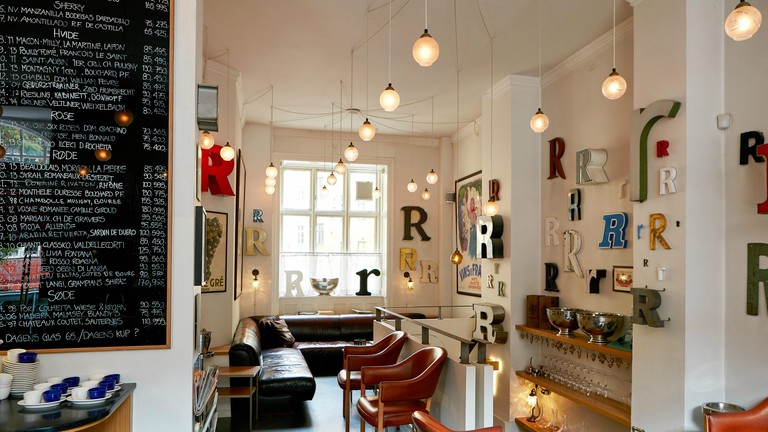 R Vinbar wine bar Copenhagen