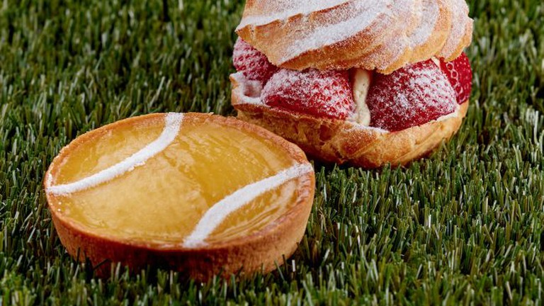 The Tennis Ball and The Tennis Choux