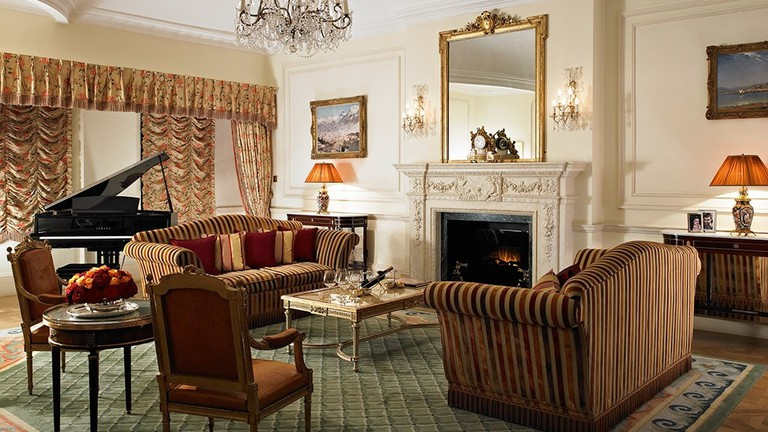 the_prince_of_wales_suite_living_room-1024x707