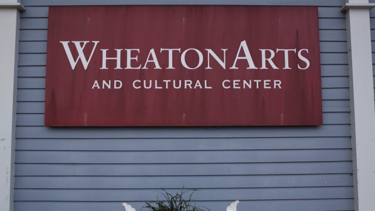 wheaton-arts-sign