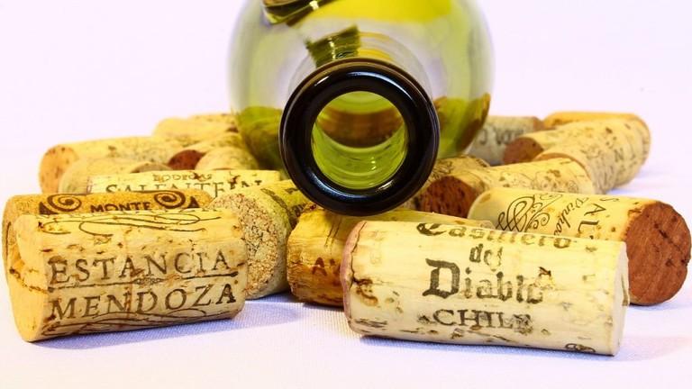 wine-780102_1280-1024x682