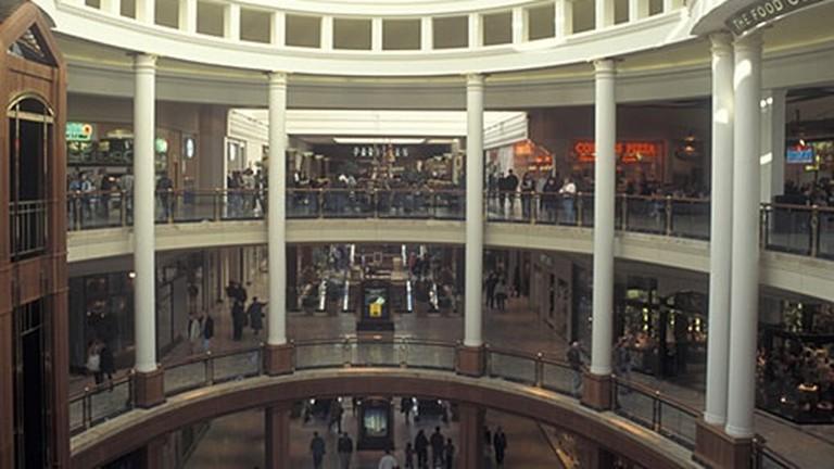 if1142 atlanta ga georgia buckhead interior of phipps plaza shopping mall
