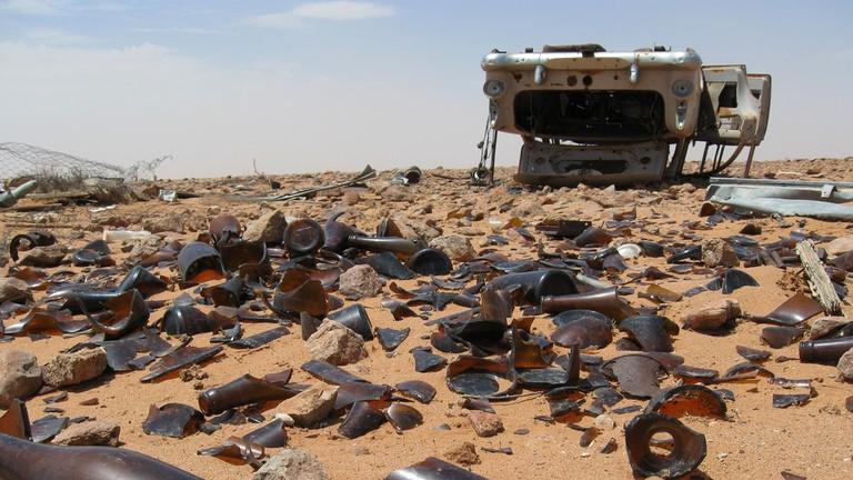 Broken glass in Farina, South Australia © Hal Jacob / Flickr