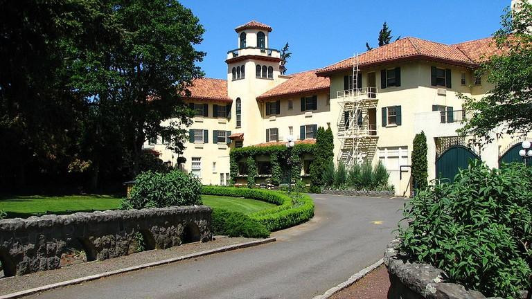 Columbia_Gorge_Hotel_2_-_Hood_River_Oregon