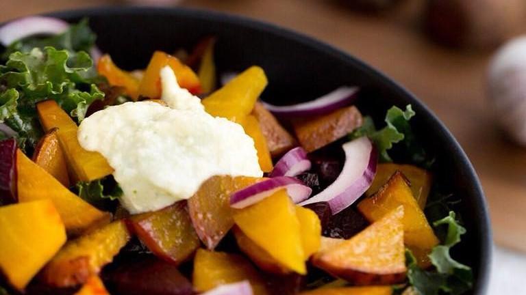 Green kale, grilled beet salad at Lett | © Lett