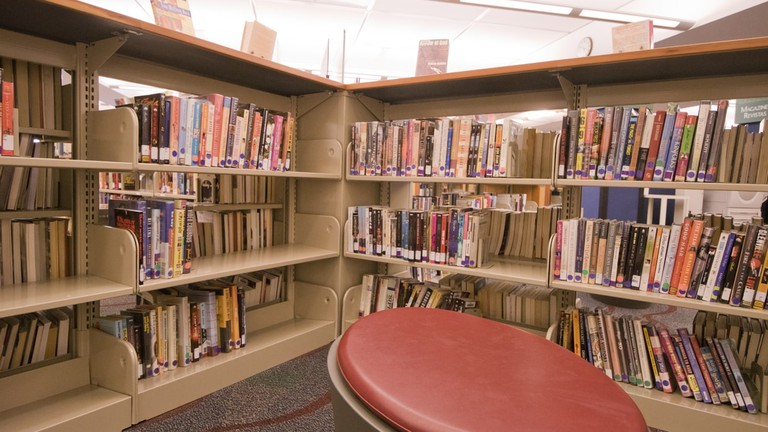 The J. Erik Jonsson Library has plenty of nooks for reading
