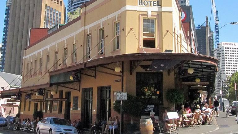 The Australian Heritage Hotel © Newtown graffiti / Flickr