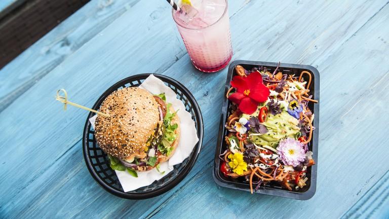 Veganjunkfoodbar_menu