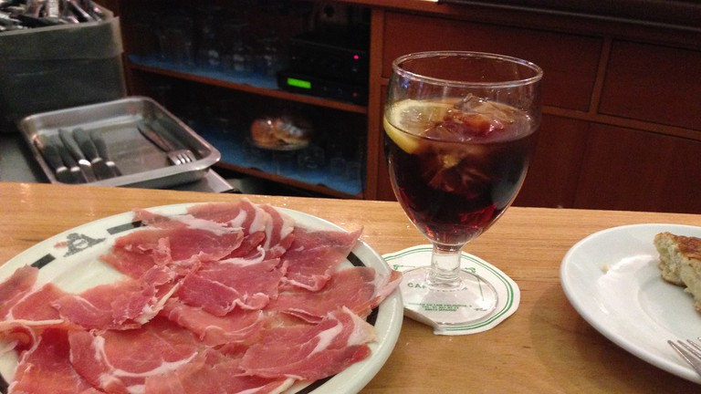 Cured ham and vermouth | © Gilda