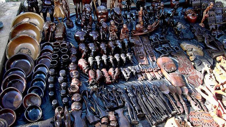 800px-Lilongwe_(Malawi)_-_crafts_market