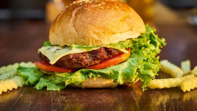 Juicy burger and chips