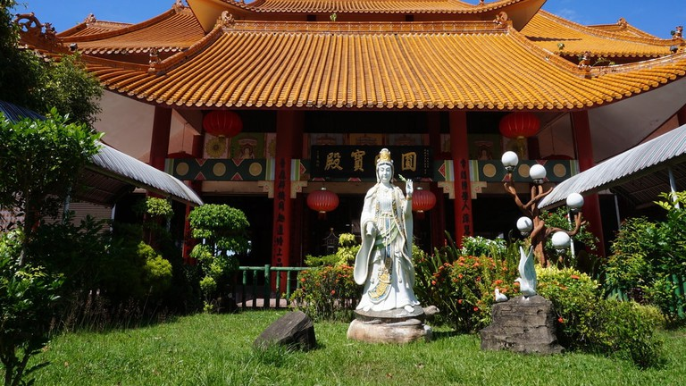 One of the temples in Puh Toh Si