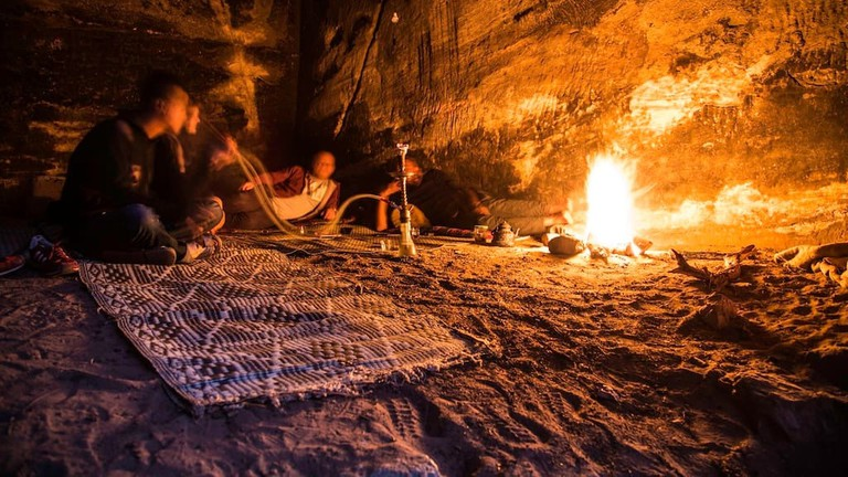 hakuna_matata_cave_petra_lodgings_night