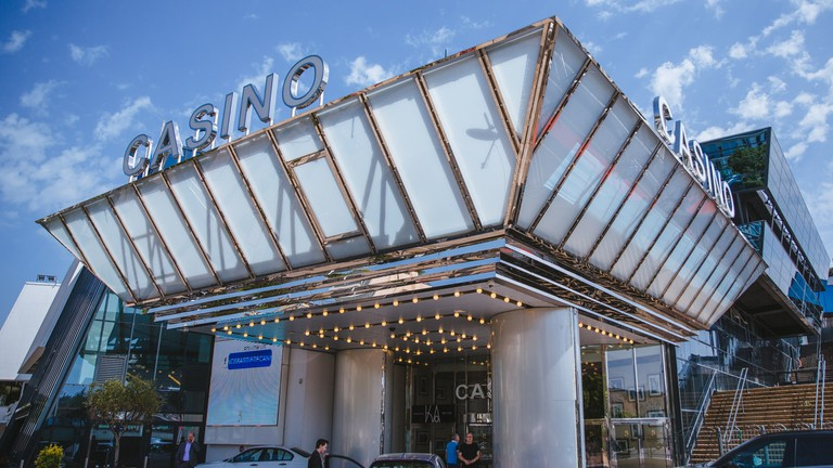 JCTP0068-Casino-Cannes-France-Fenn--85