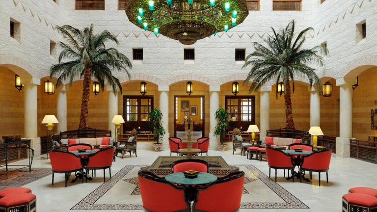 Movenpick_Petra_Lobby_Atrium_Where_to_Stay_Petra