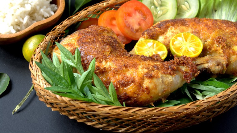 halal restaurants kuching