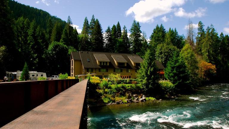 belknap-hot-springs-resort