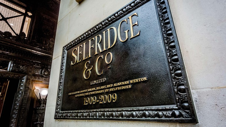 Selfridge & Co sign outside Selfridges Department Store, Oxford Street, London, UK.