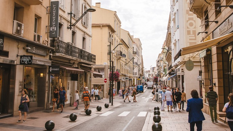 JCTP0068-Rue d'Antibes-Cannes-France-Fenn--103