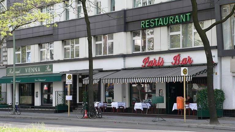1024px-CharlottenburgKantstraßeParisBar