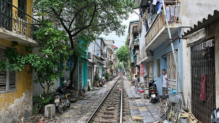 hanoi_railroad_tracks