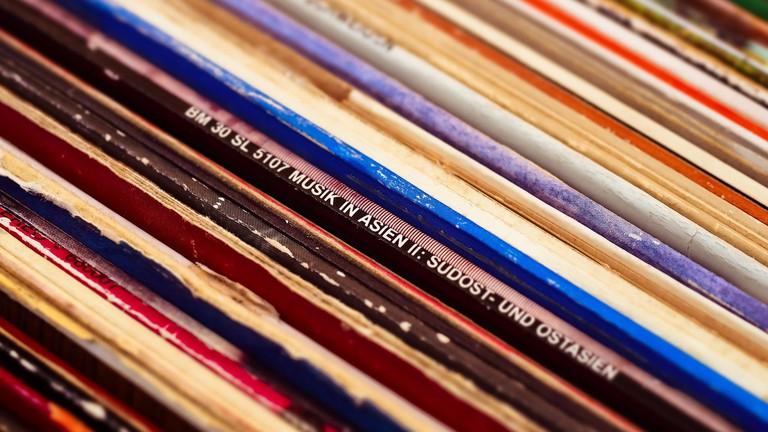 Records are available at Carla | © MichaelGaida / Pixabay