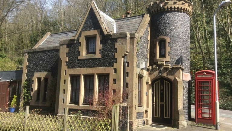 the-gatehouse-fairytale-gothic-3