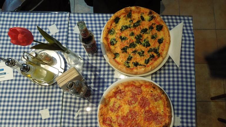 Pizza at Zeus