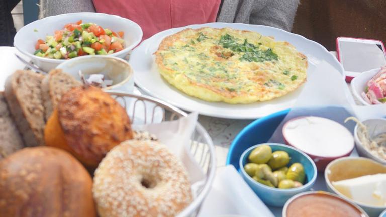 Breakfast at Manta Ray