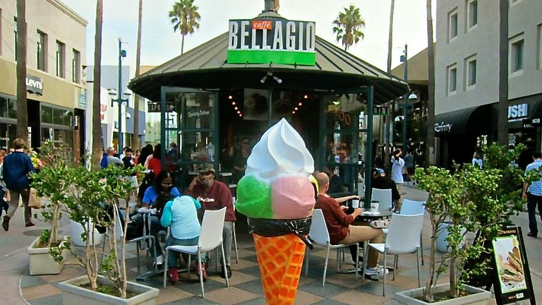 Caffé Bellagio on Third Street Promenade