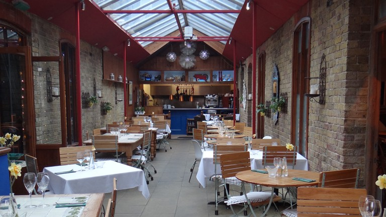 Courtyard Oyster Bar interior