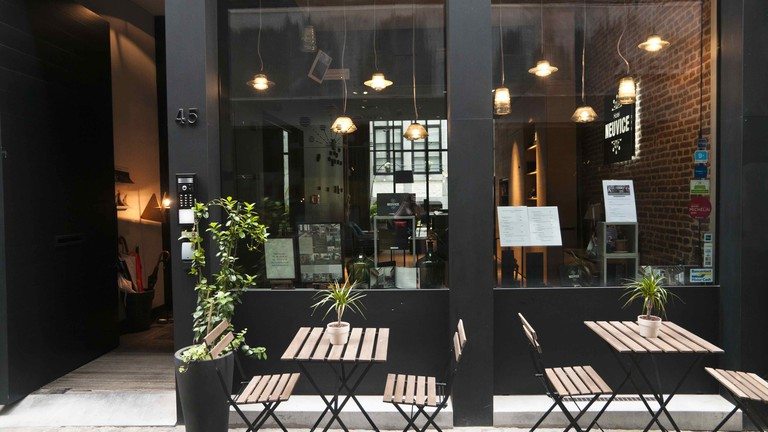 Hotel Neuvice owes its name to its location on Liège's oldest and coziest of shopping alleys, En Neuvice