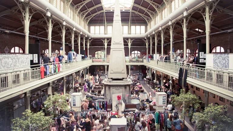 Hundreds of clothing racks set up in the Halles Saint-Géry make for the ultimate rummaging experience
