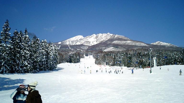 Suginohara Ski Resort, one of Myoko Kogens big three   © Takkitakitaki/WikiCommons