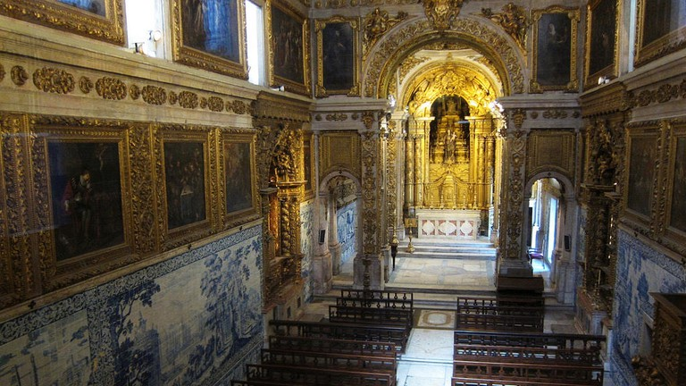 A chapel inside the Madre de Deus Convent/ National Azulejo Museum
