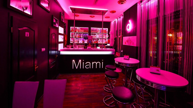 Miami cocktail bar Debrecen