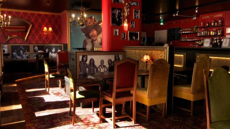 Rock and metal bar