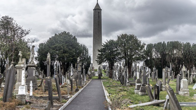 Round tower in Glasnevin Cemetery
