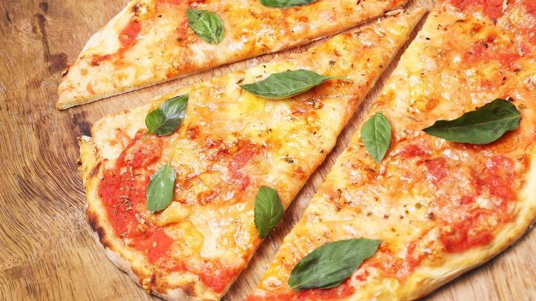 Enjoy a veggie pizza on the Lord Nelon's lovely outside terrace; martinquijandria