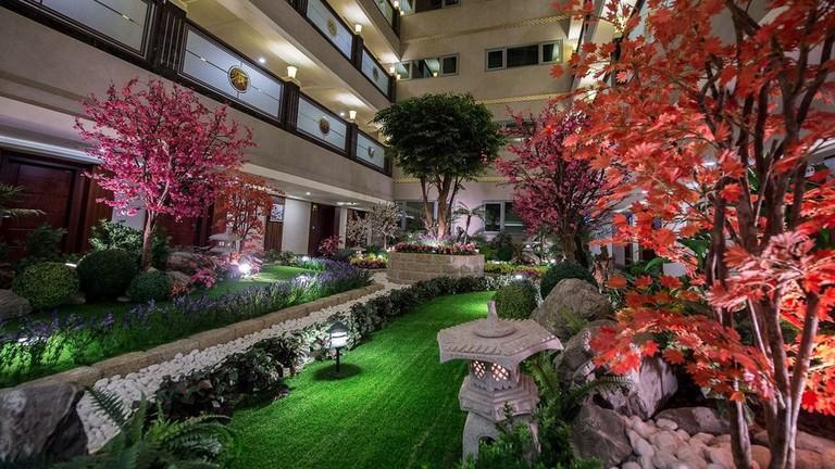 The inner garden at Arsma Hotel
