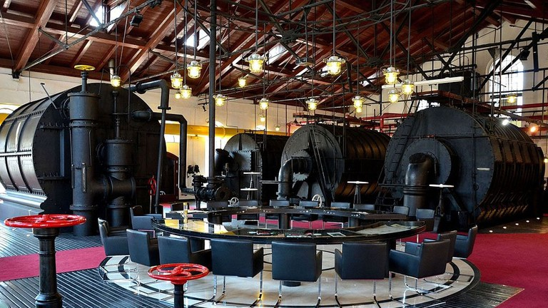 1024px-Gas_Museum_in_Warsaw