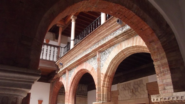 An internal patio in the Palacio de Mondragón